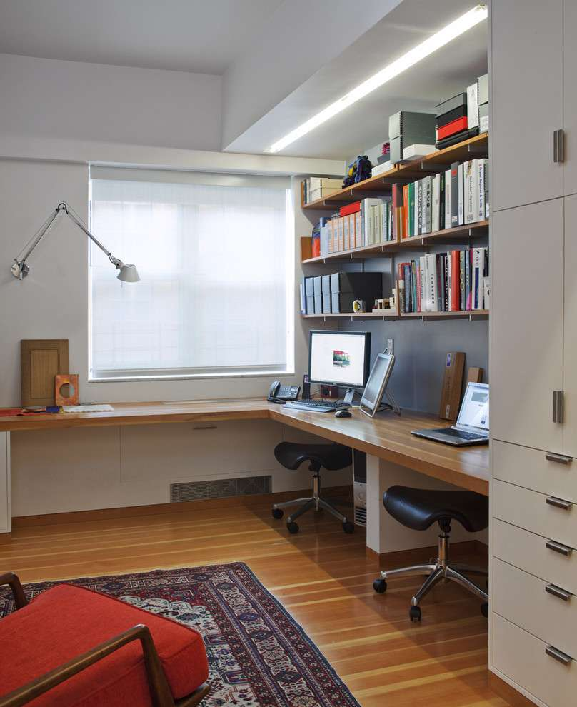 Kilim rug - rug in home office